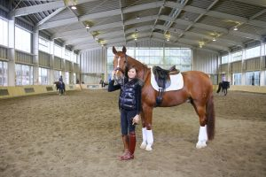 バッグブランドWhyが、馬場馬術のオリンピック選手・北井裕子さんにインタビュー。